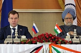 Medvedev Calls on India