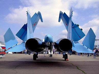 How China's Jets Threaten Russia