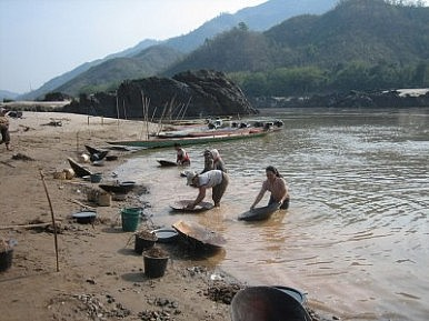 Laos Backtracks on Controversial Dam