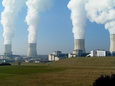 Fossil Fuels Bolstered by Japan's Nuclear Cuts