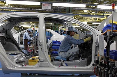 Japanese Automakers Hope For Better Year in China