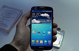 Smartphone Battle Royale: Samsung Galaxy S4 vs. iPhone 5, HTC One and the Rest
