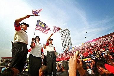Malaysians Braced for Election and its Aftermath