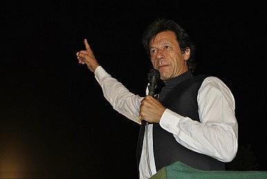 A War of Words Between Khan and Sharif in the Battle for Pakistan