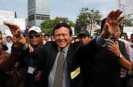 As Elections Near, Cambodia's Democracy Stumbles