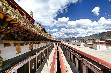 Lhasa's Disappearing Heritage