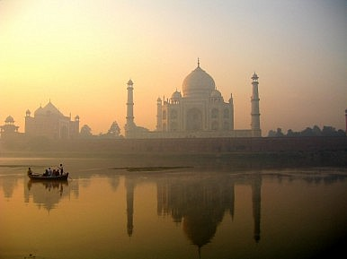 Taj Mahal: A Mughal Memorial to Love