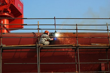 China's Shipbuilding Sector Faces Difficulties
