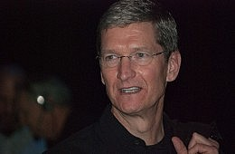 iPhones Soar, iPads Sink: Apple Earnings Down for Second Straight Quarter