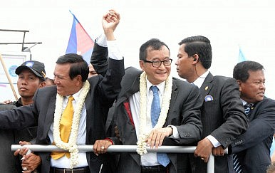 Tank Spotting as Sam Rainsy Returns