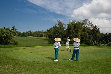 Can Indonesian Golf Sink a Hole in One?
