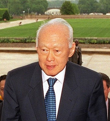 Lee Kuan Yew Compares Xi Jinping to Nelson Mandela in New Book