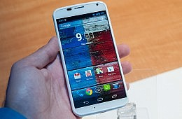 New Smartphone Heavyweight: The Moto X Matches Up to the Galaxy S4