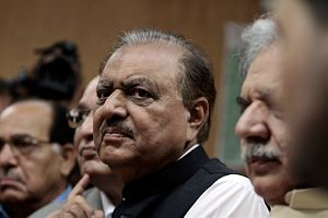 What Pakistan's New President Can Learn From India