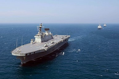 Australia S Aircraft Carrier To The Rescue