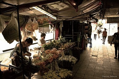 Thai Street Vendors Could Be Jailed for Intimidating Tourists