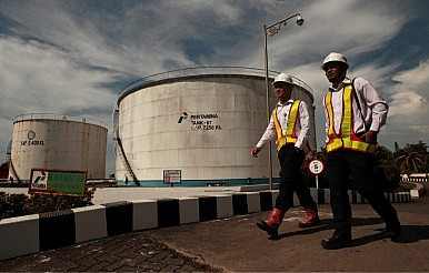 Oil Shock and Revolution Reshape Indonesia's Fortunes