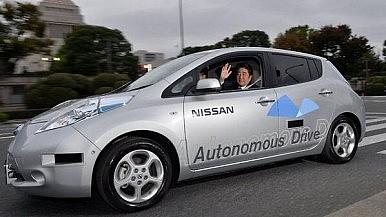"""Japanese Prime Minister """"Test Drives"""" Autonomous Vehicles"""