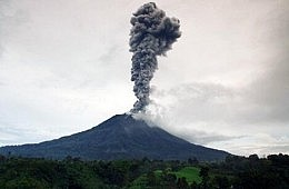 Mount Sinabung Eruptions Displace More Than 15,000 Indonesians