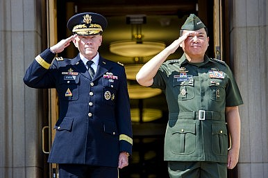 US-Philippines Struggle to Reach Troop Basing Deal