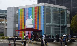 Apple To Score Huge China Deal