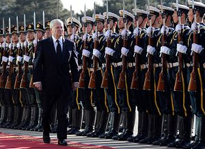 Robert Gates Worries About China's Growing Military