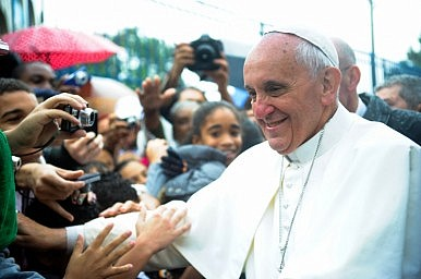 """Philippine Archbishop: Pope Francis """"Might"""" Visit Typhoon-Damaged Areas"""