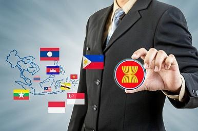 Unloved ASEAN Leaders put on Notice Ahead of AEC