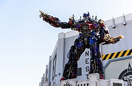 Hong Kong Brothers Plead Not Guilty to <i>Transformers 4</i> Extortion Attempt, Assault