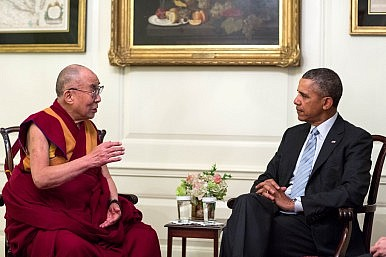 Obama Walks Tightrope With Dalai Lama Meeting