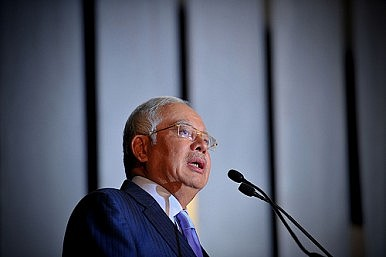 Malaysian Prime Minister: One in 10 Citizens Pay Their Taxes