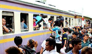 170,000 Panicked Cambodians Flee Thailand