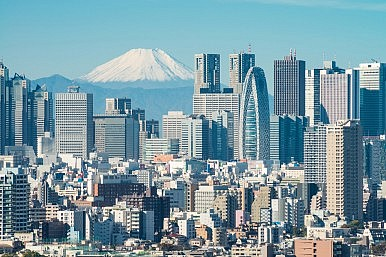 Business and the BOJ Spurring on Abenomics