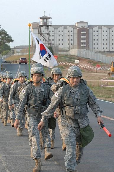 Résultats de recherche d'images pour «army korean»
