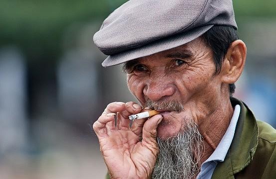 smoking vs nonsmoking essay