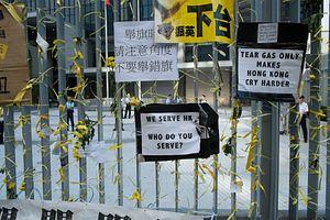 Hong Kong's Chief Secretary Will Meet With Protestors