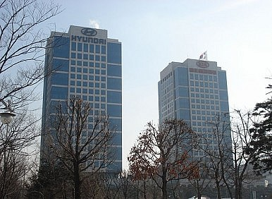 South Korea: Spring Jailed Tycoons to Save Economy?