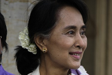 Myanmar's Aung San Suu Kyi to Make Historic Visit to China