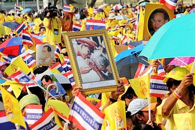 What the Turmoil in Thailand's Palace Means for Thai Politics (Perhaps)