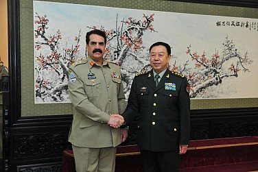 With Obama in India, China Hosts Pakistan's Army Chief