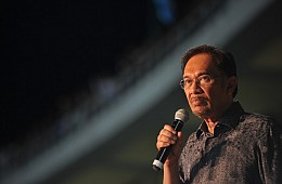 UN Body Urges Release of Malaysia's Jailed Opposition Leader Anwar Ibrahim