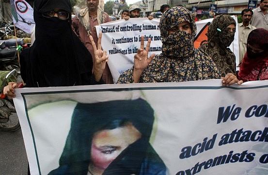 Essays on illiteracy in pakistan