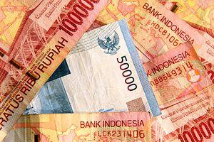Jokowi Must Confront a Weakening Rupiah