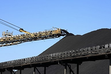 India to the Rescue as Australia Eyes Coal's Crown