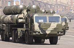 India and Russia Ink S-400 Missile Air Defense System Deal