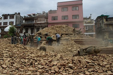 In Nepal Earthquake's Aftermath, India and China Respond