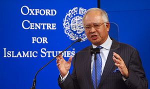 Najib Blogs His Response to Mahathir and Critics