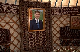 Waiting for Godot in Turkmenistan