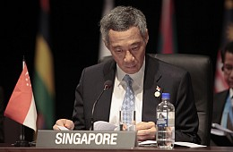 Singapore's Squabbling Lees Back in the Limelight
