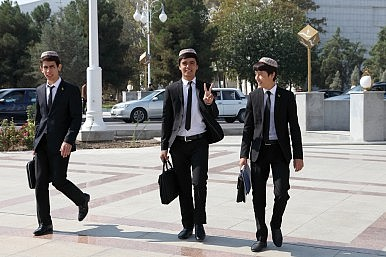 In Turkmenistan, Border Woes Trump Education